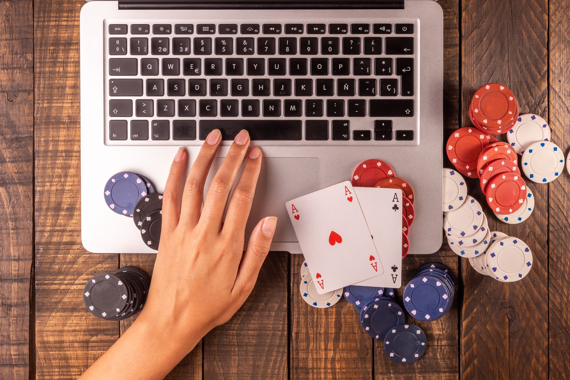 Start an Online Casino: Gambling License Costs in Different Countries